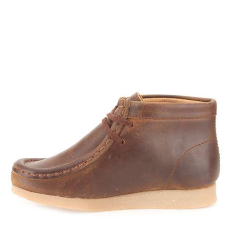 boys clarks wallabee boot boys wallabee boot toddler brown