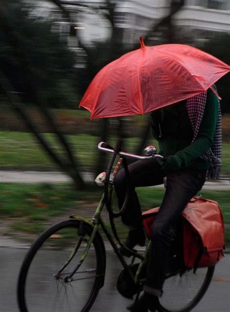 best cycling rain 96 best images about bicycle rain on pinterest bikes
