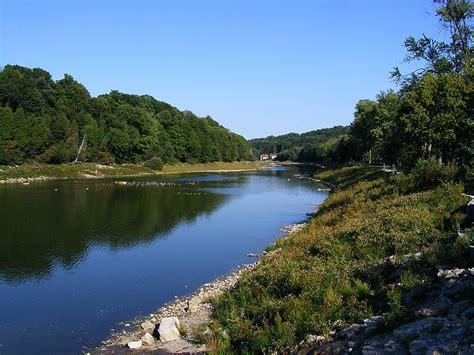 thames river description file thames river springbank park jpg wikimedia commons