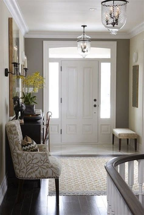 pinterest ideas for halls of small hotels best 20 small entrance halls ideas on small hallway ideas and table decor
