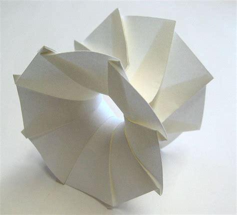 3d Paper Folding - 121 best images about paper arts on cut paper