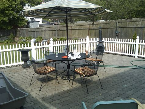 Fence Ideas For Patio by Landscaping Around Fences Patio With Fence Patio Privacy