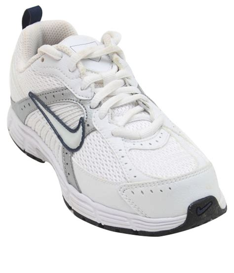 nike white sport shoes nike white sports shoes for boys price in india buy nike