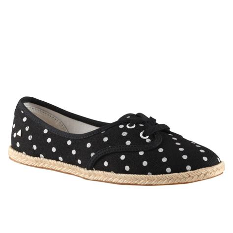 polka dot flat shoes pin by britta loucas on style shoes