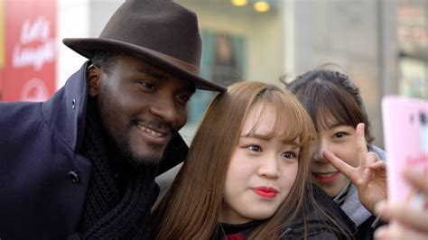 black in korean the most famous black man in korea sam okyere asian