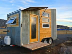 Tiny House On Wheels by The Durango Tiny House On Wheels Is A Minimalist Traveler