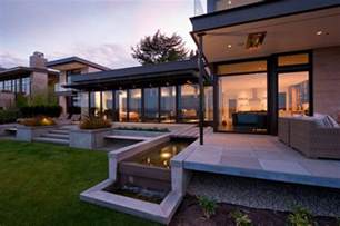 Ideas Architectural L H Shaped Modern Home Set On A Bluff Overlooking Lake Washington Freshome
