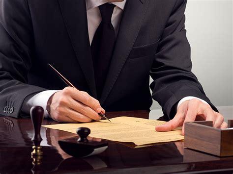 testamento olografo requisiti erronea indicazione della data nel testamento olografo