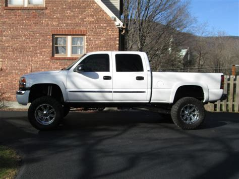 lifted white gmc gmc sierra 2500hd lifted wallpaper 1600x1200 34702