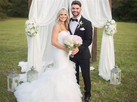 dylan scott gets married in louisiana sounds like nashville