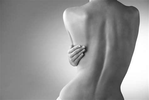 imagenes artisticas de mujeres de espalda bio oil ayuda a recuperar tu piel de la sequedad del