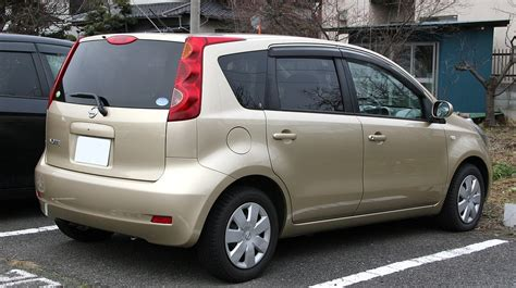 nissan note 2005 white file 2005 2008 nissan note rear jpg wikimedia commons