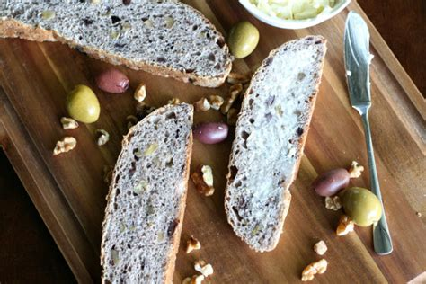 Blue Ribbon Breads blue ribbon fresh herb olive nut bread state fair recipes