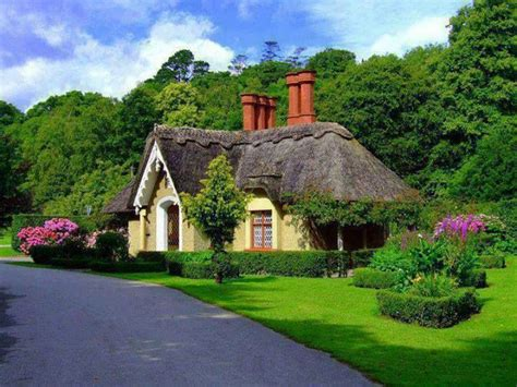 thatched cottage in ireland let me show you the world