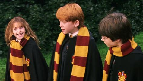 harry potter knits house scarves years one and two