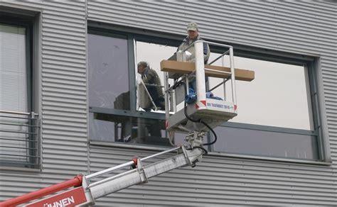 Sichtschutzfolie Fenster Montage by Sonnenschutzfolie F 252 R Fenster Als Sommerlicher W 228 Rmeschutz