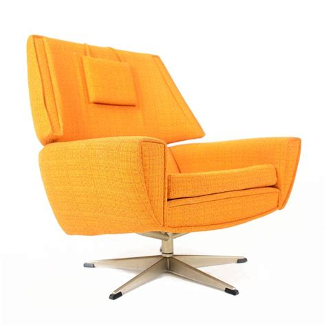 Vintage Outer Orbit Swivel Chair Retro Swivel Chairs