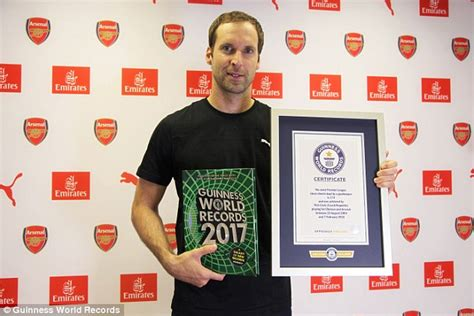 epl most clean sheets arsenal star petr cech honoured in 2017 guinness book of