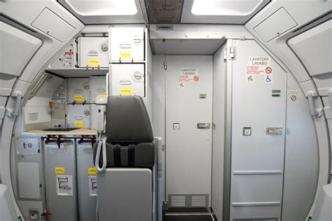 airbus a320 cabin vueling introduces new cabin with airbus space flex