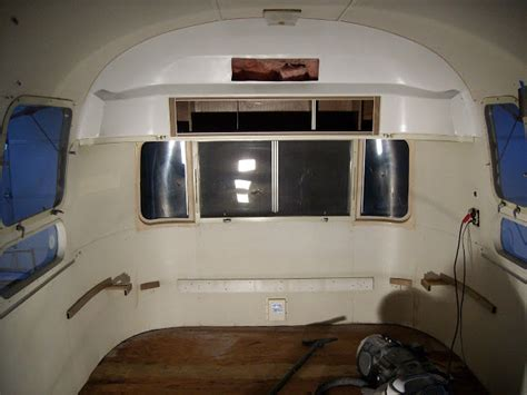Mobis: '71 Airstream Globetrotter Before & After