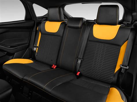 ford focus seat covers 2014 ford focus and seat covers