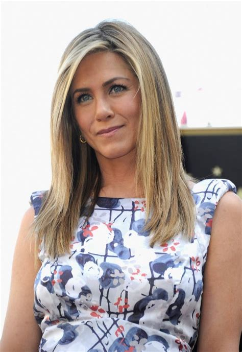 easy hairstyles long straight hair jennifer aniston easy hairstyles for long hair