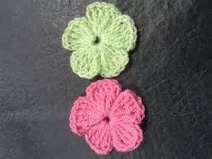 flores de crochet como tejer flores de 5 petalos a crochet muy facil how
