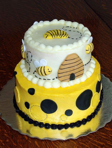 Bee Decorations For Cakes by Honey Bee Cake Cake Decorations