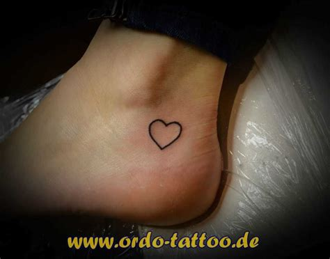 tattoo fuss tattoo miniherz tattoo vorlagen bilder