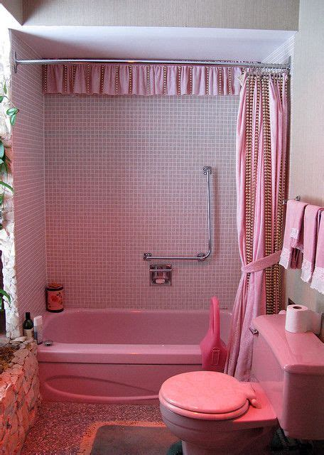 Retro Pink Bathroom Ideas by 205 Best Pink Bathroom Images On Bathrooms