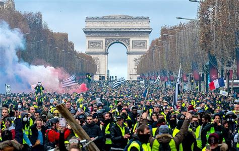 french yellow vests teach