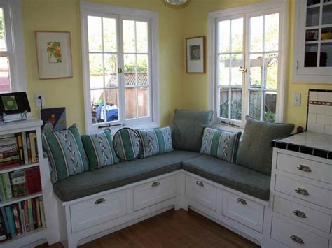 Simple Kitchen Banquette Seating With Storage HOUSE DESIGN