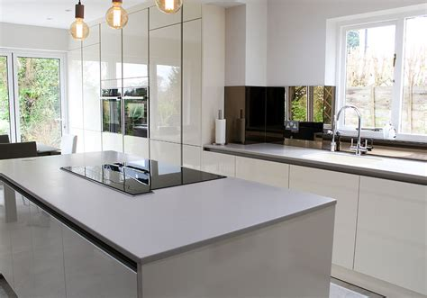 Corian Worktops Uk by Worktops Surfaces And Splashbacks From In Toto Kitchens