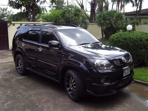 Fortuner Black toyota fortuner black modified www imgkid the