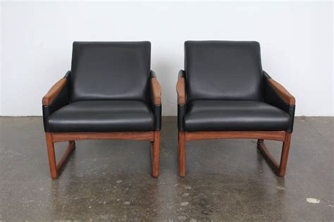 mid century modern leather lounge chairs at 1stdibs mid century modern leather lounge chairs at 1stdibs