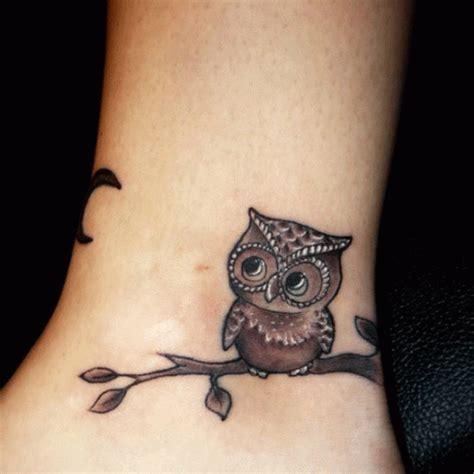imagenes de tatuajes de buhos para mujeres tatuaje en la mu 241 eca de buho tatuajes para mujeres