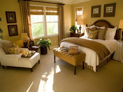 Decoration : Small Master Bedroom Decorating Ideas ~ Interior Decoration and Home Design Blog
