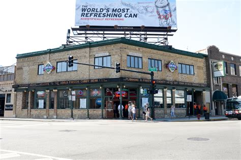 top wrigleyville bars wrigleyville bars to watch the chicago cubs play