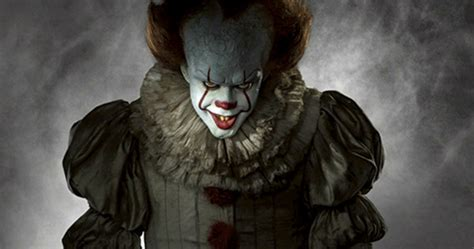 film it the clown pennywise the clown fully revealed in stephen king s it