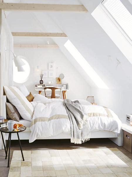 wie schlafzimmer einrichten unterm dach schlafzimmer mit schr 228 einrichten