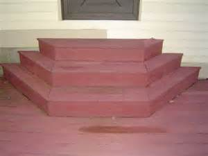 Building custom shaped deck stairs