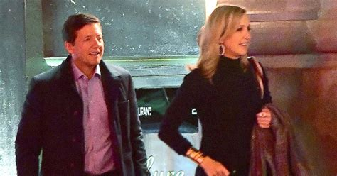 new guys on gma lara spencer makes out with mystery guy find out who he