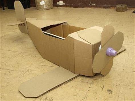cara membuat mainan dari kertas kardus cara membuat pesawat mainan dari kertas kardus bekas