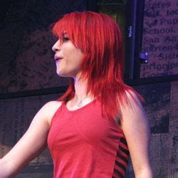 is hailey williams hair naturally red pale complexion brown to red hair color