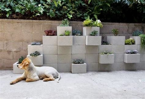 3 D Cinderblock Planter Wall Yes Please 187 Curbly Diy Cinder Block Planter Wall