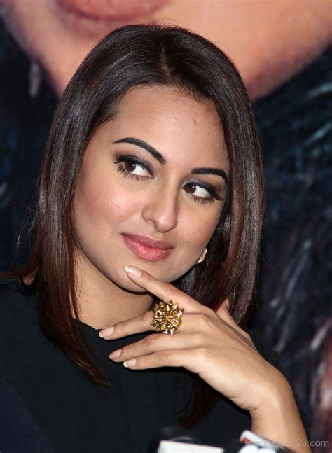 ladies hairstyle bullon sonakshi sinha angled bob hairstyle new style for 2016 2017