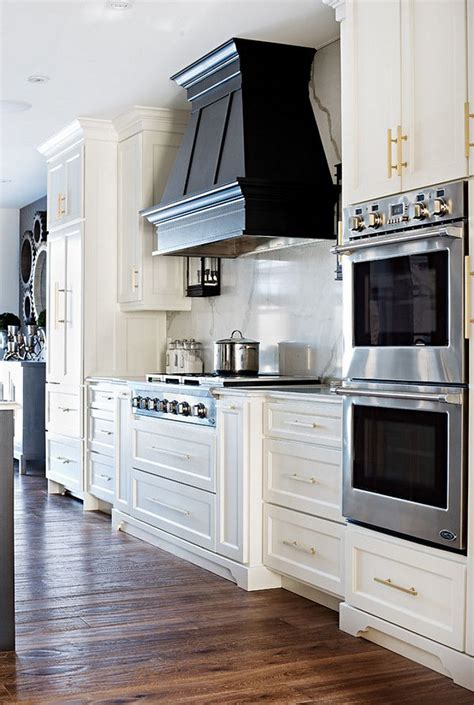 kitchen stove hoods design 25 best ideas about double oven kitchen on pinterest