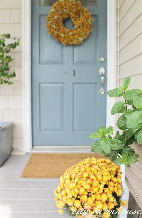 benjamin moore charlotte slate rustic fall front porch city farmhouse
