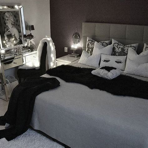 marilyn monroe bedrooms best 25 marilyn monroe decor ideas on pinterest marilyn