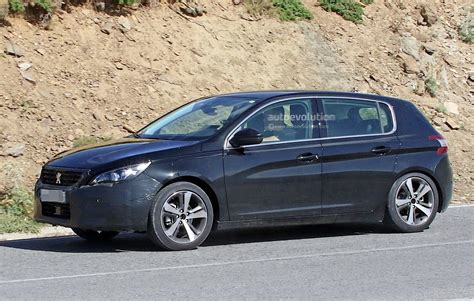 peugeot little peugeot 308 facelift spied with little camouflage expect